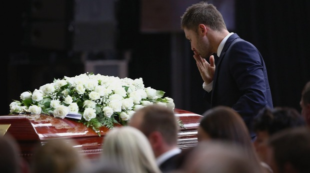 Phillip Hughes farewelled by thousands at Macksville funeral